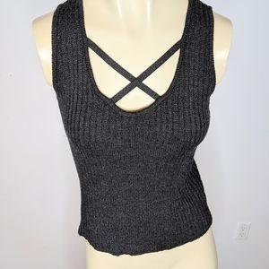 ST JOHN - sleeveless shirt